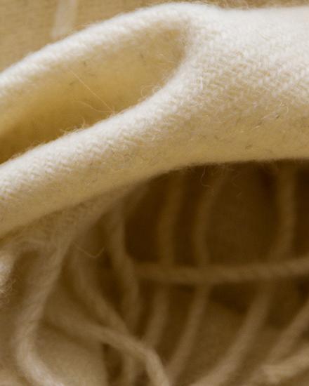 classic-cream-swatchLaura's Loom, Classic Hebridean Throw, Classic Cream